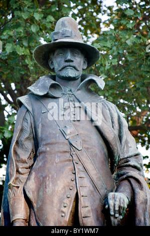 Bronze-Statue von William Bradshaw in Plymouth Massachusetts, USA - Stockfoto
