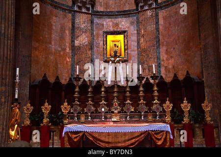 Altar Kerzen Gold Symbol Pantheon Rom Italien - Stockfoto