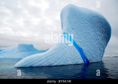 blaue Eisberg in der Antarktis - Stockfoto