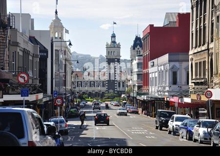 Stuart Street und der Bahnhof von Octagon, Dunedin, Region Otago, Südinsel, Neuseeland - Stockfoto