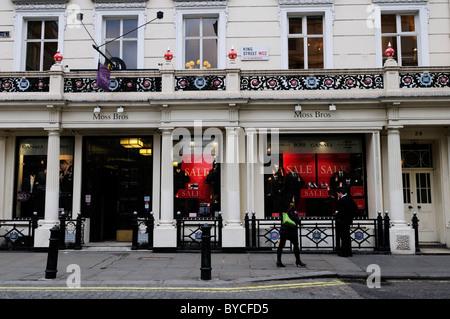 Moss Bros Menswear Schneider Shop, King Street, Covent Garden, London, England, UK - Stockfoto
