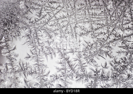 schneeformationen auf gefrorenem wasser stockfoto bild 99364200 alamy. Black Bedroom Furniture Sets. Home Design Ideas