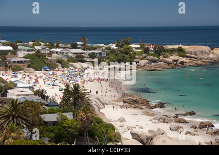 Südafrika, Cape Town. Beliebten Feriengebiet von Clifton, Clifton Beach. - Stockfoto