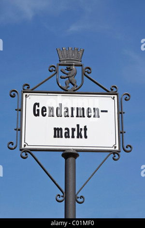 Straßenschild, Gendarmenmarkt Square, Bezirk Mitte, Berlin, Deutschland, Europa - Stockfoto