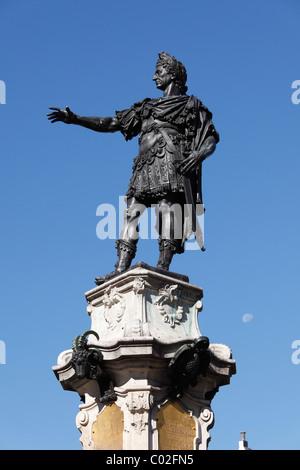 Kaiser Augustus, Augustusbrunnen Brunnen auf dem Rathausplatz, Augsburg, Schwaben, Bayern, Deutschland, Europa - Stockfoto