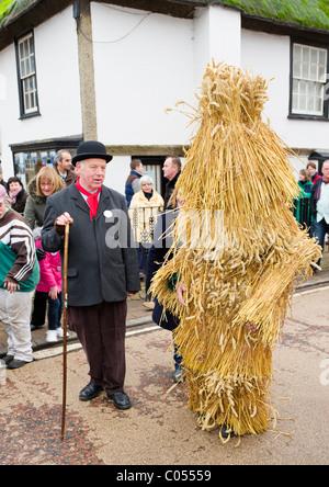 Die Whittlesea Stroh tragen und Halter auf der Whittlesea Stroh tragen Festival 2011 - Stockfoto