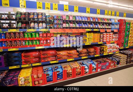 Schokoriegel Im Supermarkt Stockfoto Bild 101892403 Alamy
