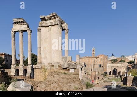 Spalten der Tempel von Castor und Pollux im Forum Romanum, Rom, Italien, Europa - Stockfoto