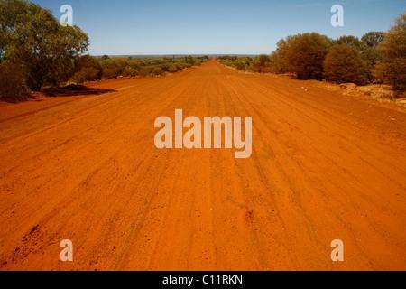 Feldweg im australischen Outback, Australien - Stockfoto