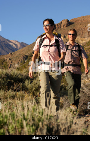 Wanderer im Nationalpark Teide, Teneriffa, Kanarische Inseln, Spanien, Europa - Stockfoto