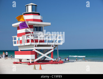 Art-Deco-Stil Rettungsschwimmer-Turm, South Point Park, Miami Beach, Florida, USA. - Stockfoto