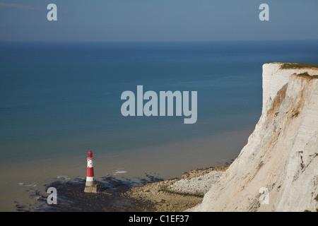 Leuchtturm und Kreidefelsen, Beachy Head, East Sussex, England, Vereinigtes Königreich - Stockfoto