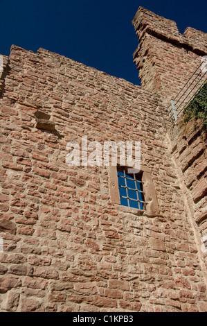 Deutschland, Franken, Wertheim. Ruinen der Burg aus dem 12. Jahrhundert Hohenburg - Stockfoto