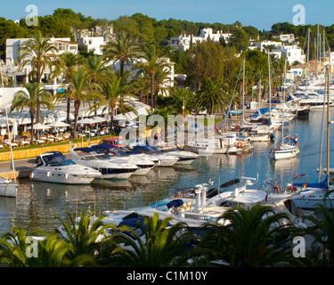 ES - MALLORCA: Der Yachthafen von Cala d ' or - Stockfoto