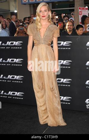 "Sienna Miller-Los Angeles-Screening von ""G.I.JOE:The Rise of Cobra"" statt, bei der Graumans Chinese Theater Hollywood, - Stockfoto"