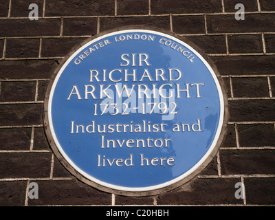 Blaue Plakette, Sir Richard Arkwright industrieller und Erfinder 8 Adam Street, London WC2N 6AA - Stockfoto