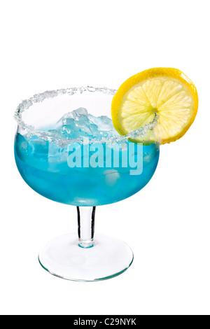 Cocktails auf weiß: Blue Margarita. - Stockfoto