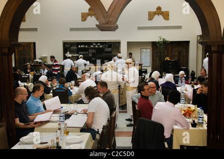 alten damaskus syrien naranj restaurant via recta in der n he von der r mischen bogen gemini. Black Bedroom Furniture Sets. Home Design Ideas