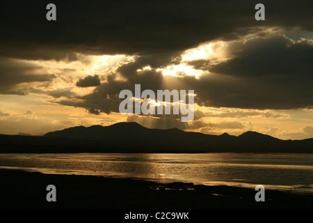 Sonnenuntergang am Son-Kul) Sohn-Kol, Song-Kol) See Kirgisistan - Stockfoto