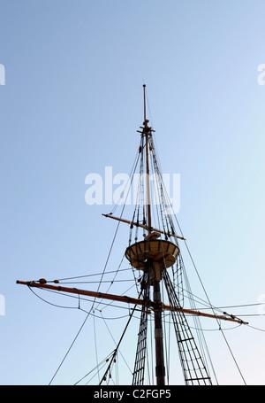 Takelage auf Mayflower II, Nachbau des Originals, die Pilger nach Amerika gebracht. - Stockfoto