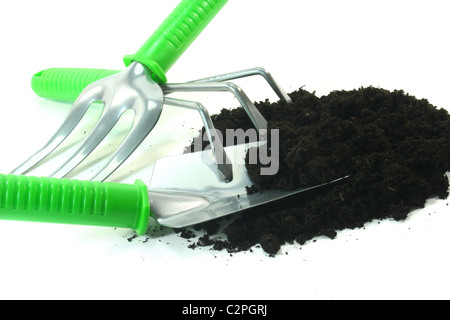 verschiedene Werkzeuge für die Bepflanzung auf weißem Hintergrund - Stockfoto