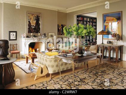 Moderne Kunst-Sammler home Wohnzimmer Stockfoto, Bild: 36217032 - Alamy
