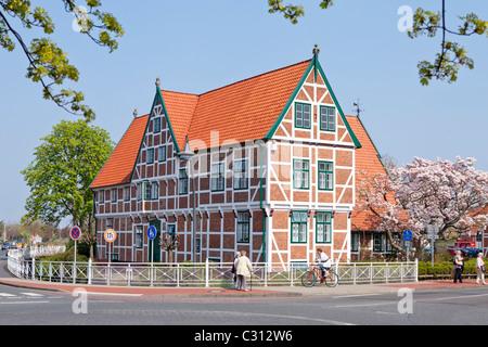 Rathaus in Jork, Altes Land (altes Land) in der Nähe von Hamburg, Niedersachsen, Deutschland - Stockfoto