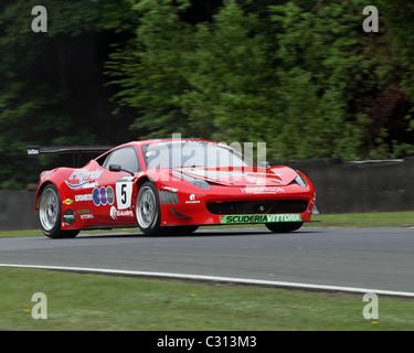 Ferrari 458 GT3 Rennwagen 2011 British GT Championship in Oulton Park - Stockfoto