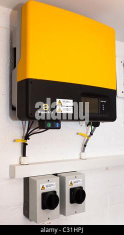 Sunny Boy solar-Wechselrichter und DC Isolierung Schalter UK - Stockfoto