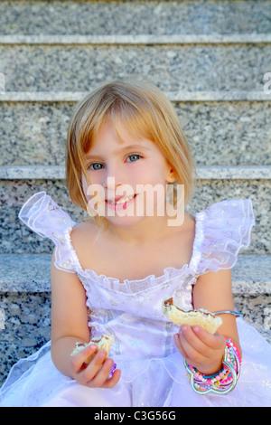 Sandwich Mit Junger Blondine