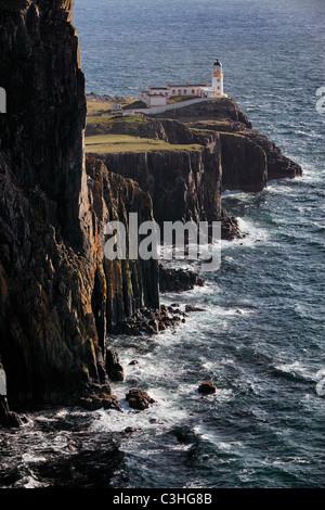 Landschaftlich Point Leuchtturm auf der Insel Skye, Schottland. - Stockfoto