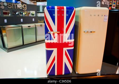 Smeg Kühlschrank Union Jack : Smeg kühlschrank stockfoto bild  alamy