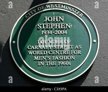 Gedenktafel für John Stephen, Gründer der Carnaby Street, London - Stockfoto