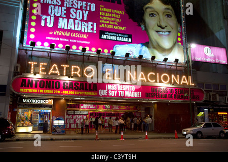 Teatro el Nacional in Corrientes Avenue in Buenos Aires, Argentinien. - Stockfoto