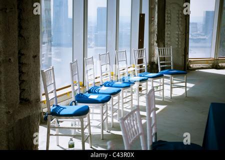 ... Leere Stühle Vor Einer Pressekonferenz In New York Auf Mittwoch, 25.  Mai 2011.