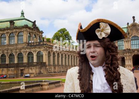 Foto von einem Schauspieler verkleidet als ein deutscher Aristokrat in Dresden - Stockfoto