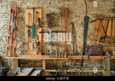 Tischlerei werkzeug  Carpenters Schreiner alte Tischlerei Werkzeug Workshopraum ...