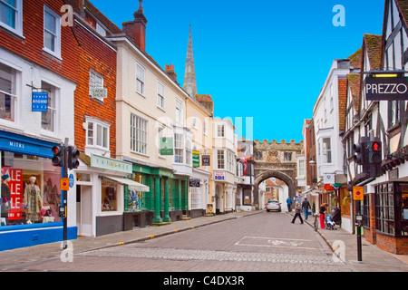 High Street Gate in Salisbury, Wiltshire, England - eine alte Gateway, das führt zu den Cathedral Close - Stockfoto
