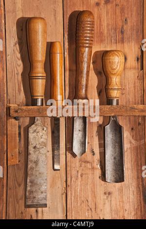 altes holzbearbeitungswerkzeug alte werkzeuge f r die holzbearbeitung stockfoto bild. Black Bedroom Furniture Sets. Home Design Ideas