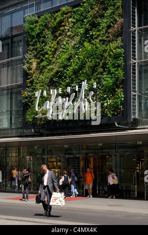 Galeries Lafayette, Friedrichstraße, Berlin Mitte, Berlin, Deutschland, Europa. - Stockfoto