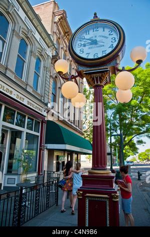 Eine große Uhr stand in der Innenstadt von Walla Walla - Stockfoto
