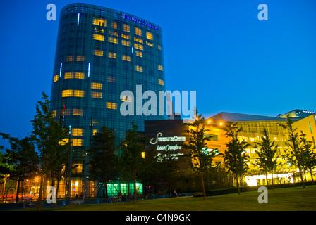 """Peking, China, moderne Luxus kommerziellen Mall und The Ritz-Carlton """"Saison Platz"""" Shopping Center Hotel in Financial - Stockfoto"""