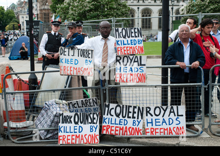 Parlament quadratische Demonstrant. McQueen getötet von Freimaurern, London, UK - Stockfoto