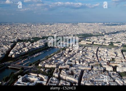 Blick auf Seine River vom Eiffelturm. - Stockfoto