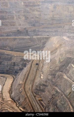 Die Bingham Canyon Mine oder Kennecott Copper Mine, in Salt Lake City, Utah, ist der 2. höchste Kupferproduzent - Stockfoto
