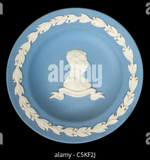Wedgwood blau Jasperware Platte zum Gedenken an die Hochzeit von Prinz Charles und Lady Diana Spencer (29. Juli 1981) Stockfoto