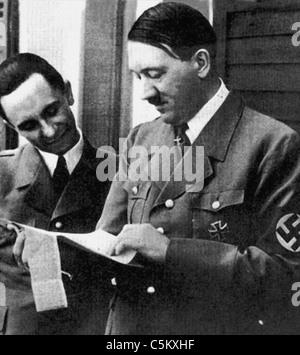 Joseph Goebbels deutscher Kriegs-Minister von Propaganda mit Adolf Hitler aus dem Archiv des Pressedienstes Portrait - Stockfoto