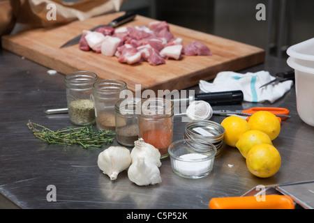 Fleisch und Gewürze - Stockfoto
