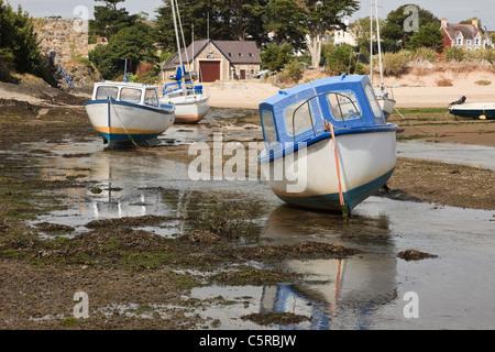 Abersoch Lleyn Halbinsel North Wales UK. Angelboote/Fischerboote vertäut im Hafen auf Afon Soch Flussmündung bei - Stockfoto