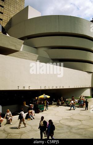 Solomon R. Guggenheim Museums auf Fifth Avenue, New York City, USA - Stockfoto